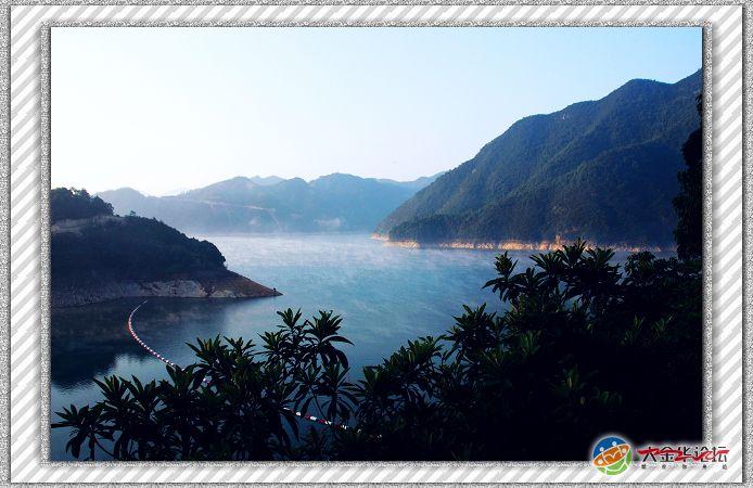 衢州湖南镇水库(仙霞湖)距衢州市区41公里,其大坝高129米,被誉为