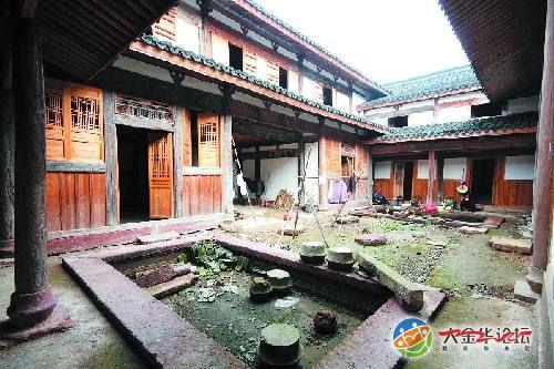 金华老街_毗邻雅畈老街,它建于明代早期,为金华地区现存最早的民居建筑之一.