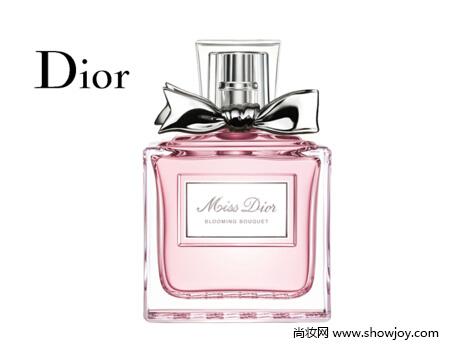 而他们最著名的一些香水无疑就是迪奥真我香水系列